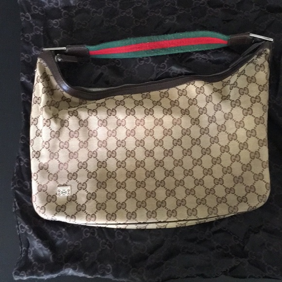 Gucci Handbags - Gucci shoulder bag, with receipt and dust bag